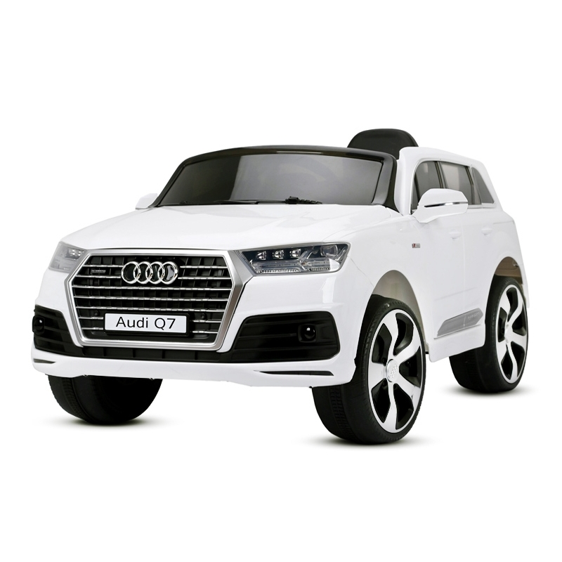 audi q7 rc electrique enfant 2x35w avec sa t l commande btc motors. Black Bedroom Furniture Sets. Home Design Ideas